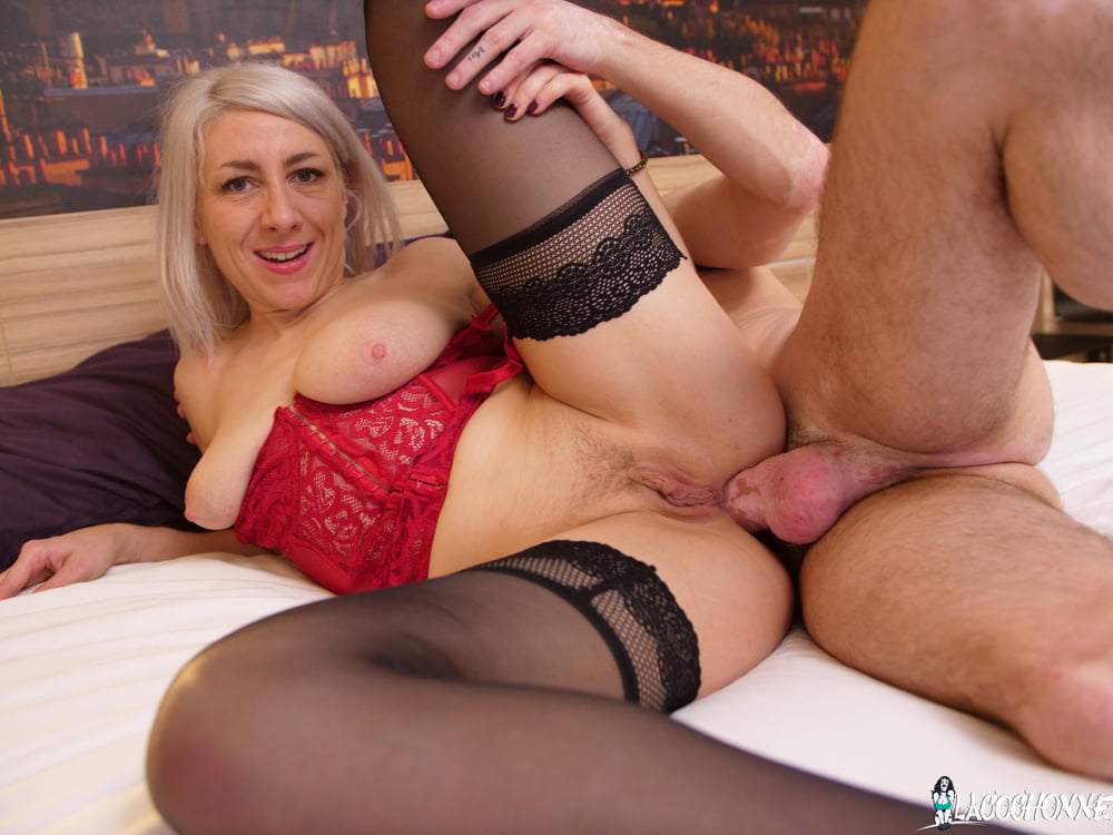 Big Booty French MILF Threesome Double Penetration - 16 Pics