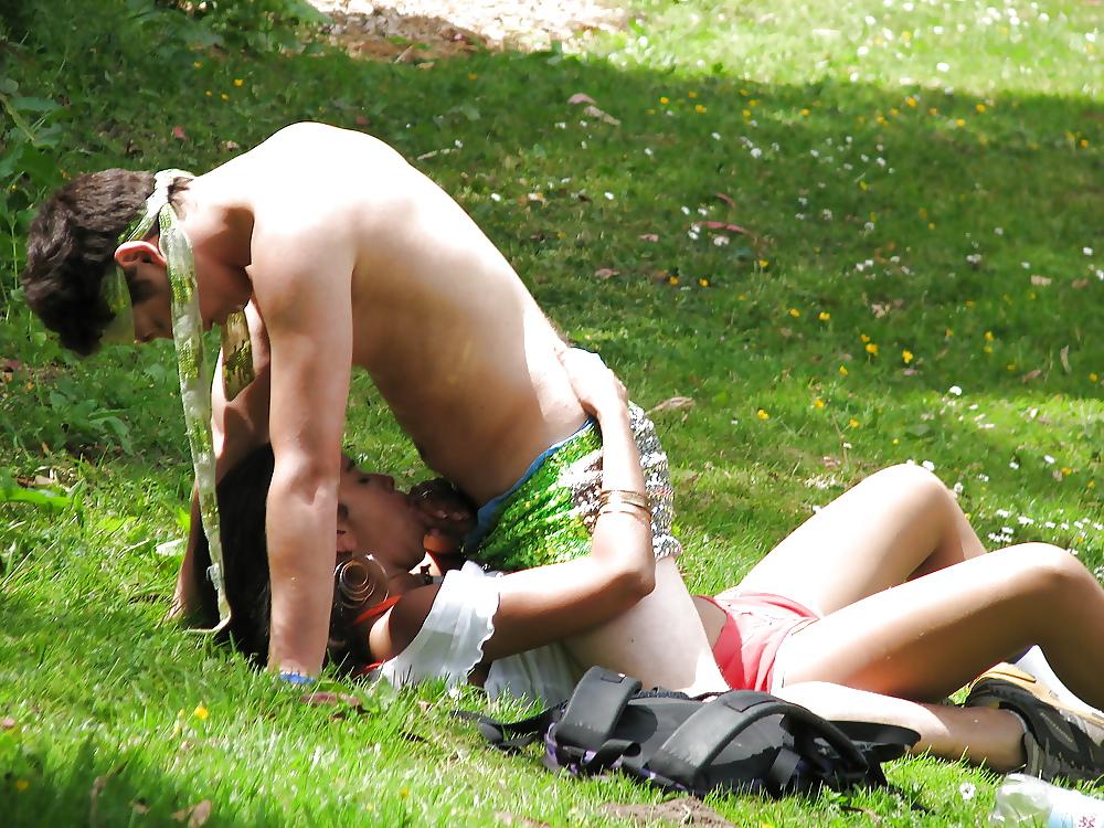 подсматривающие эротические фотографии - 2