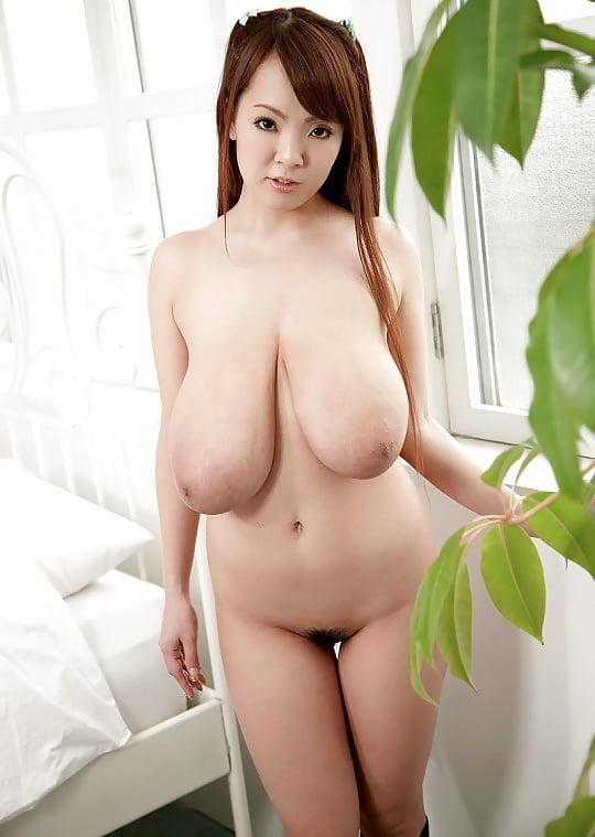 Japanese big tits nude adult photo