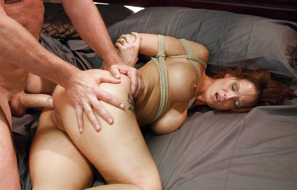 Dirty blonde milf tylo durran needs to be dominated during rough sex