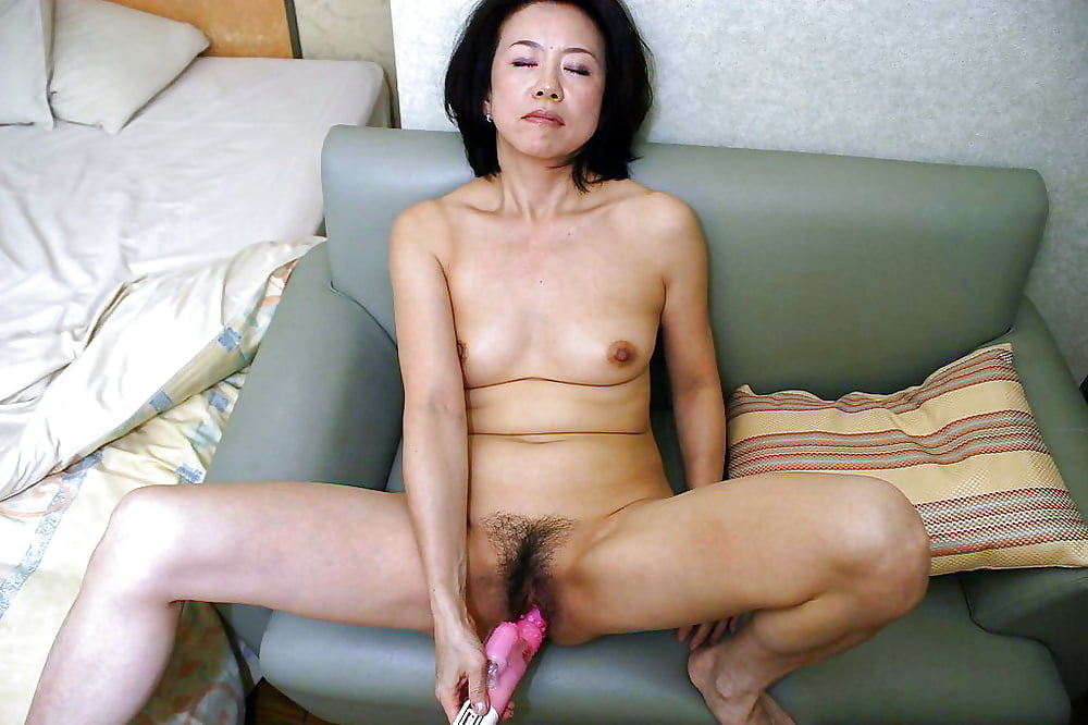 real-korean-moms-naked
