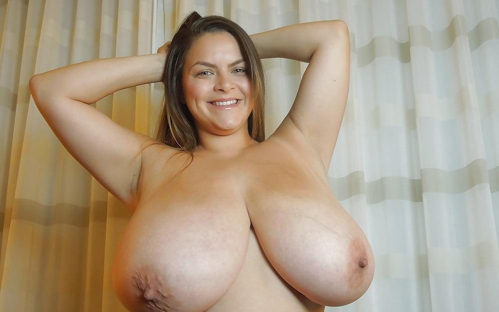 Alaura grey boobs