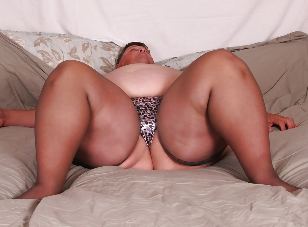 с толстыми порнофото девушки ляжками