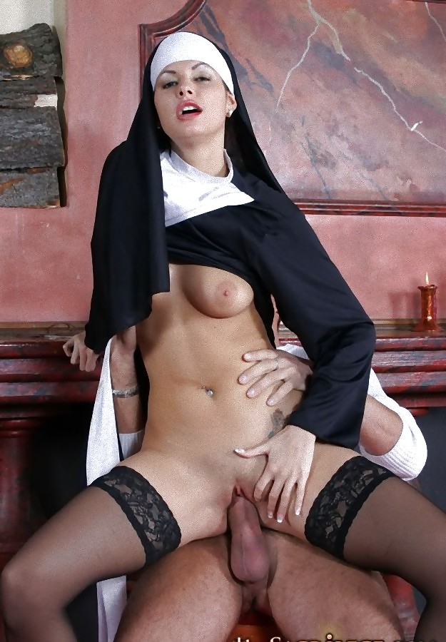 Nun hardcore picture — photo 1