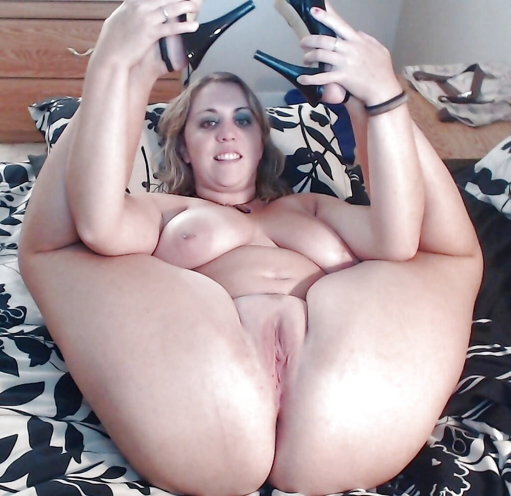thick-sexy-momma-naked