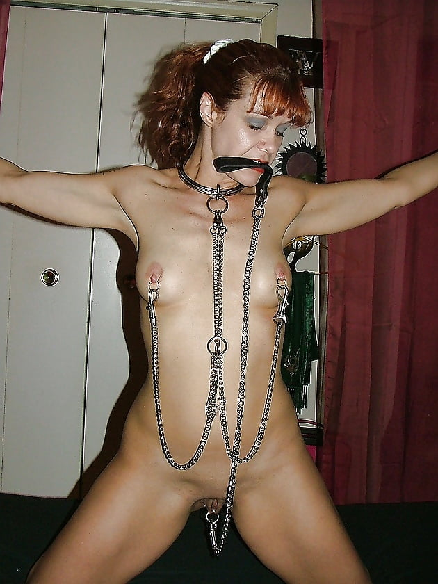 sexy-slave-girls-on-leashes