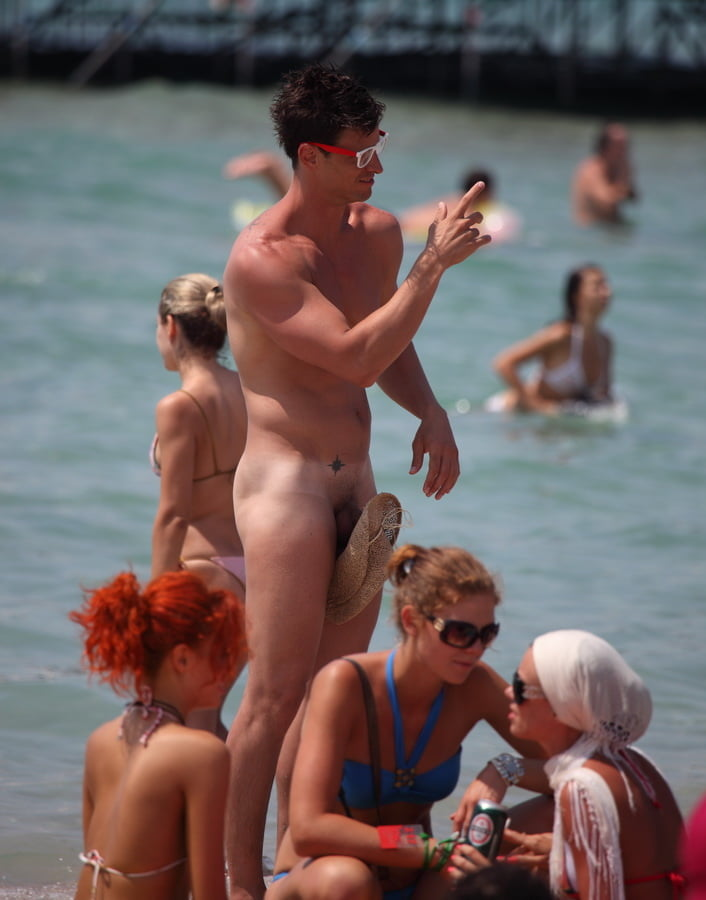 One Man's Year As A Nudist