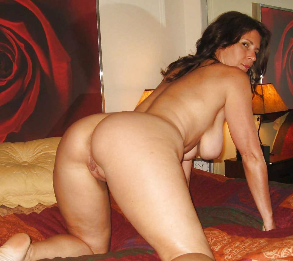 Attractive Pics Of Stunning Nude Mature Pictures