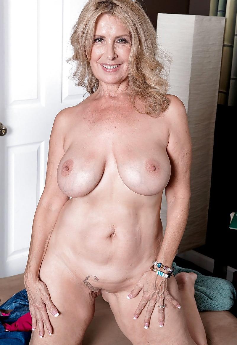 Laura Layne