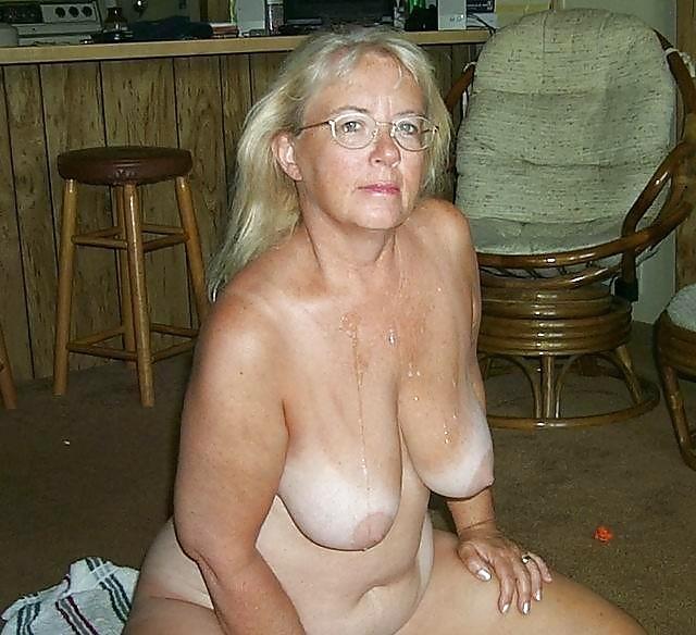Старая голая грудь фото, выебали и отпиздили