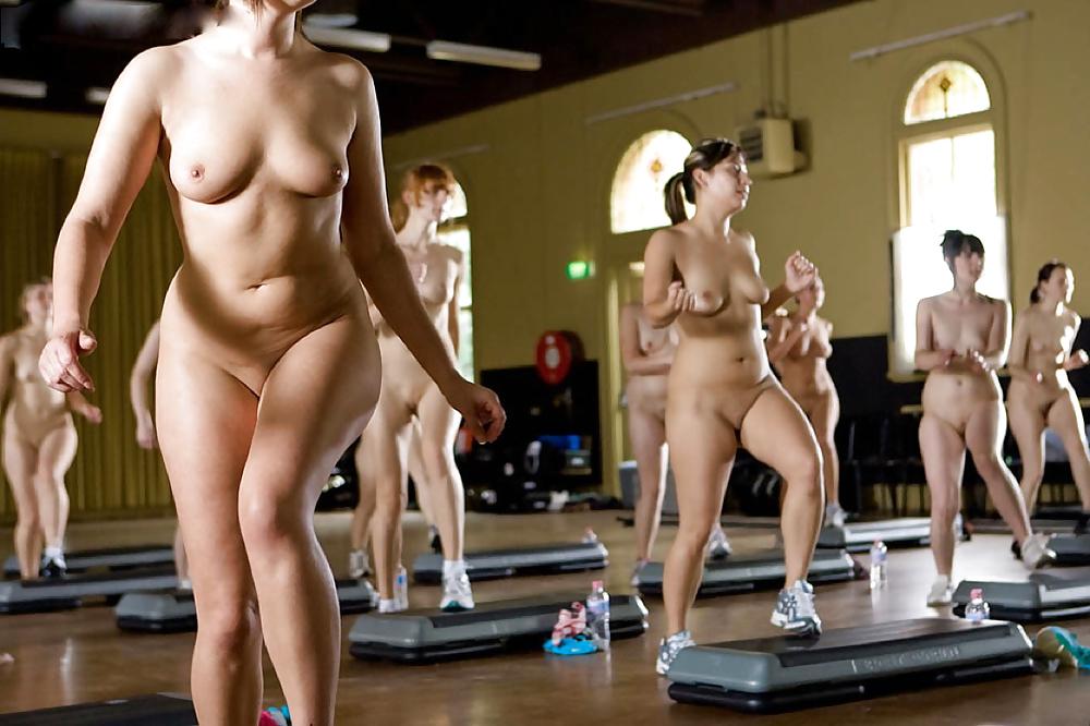 Nude phun aerobics
