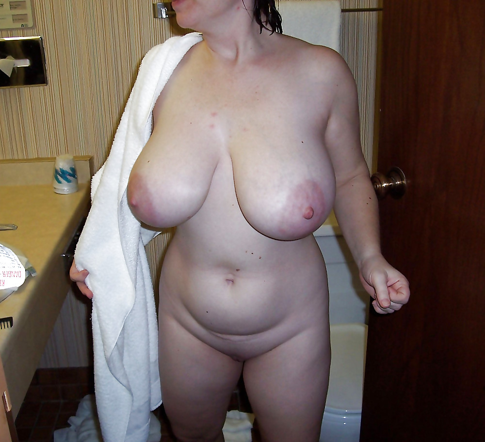 housewife-big-tits-amateur