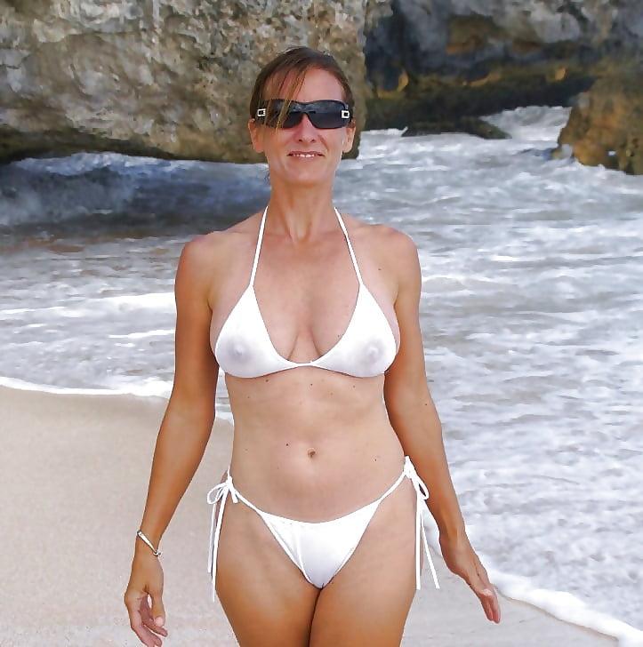 wife-bikini-free-pics