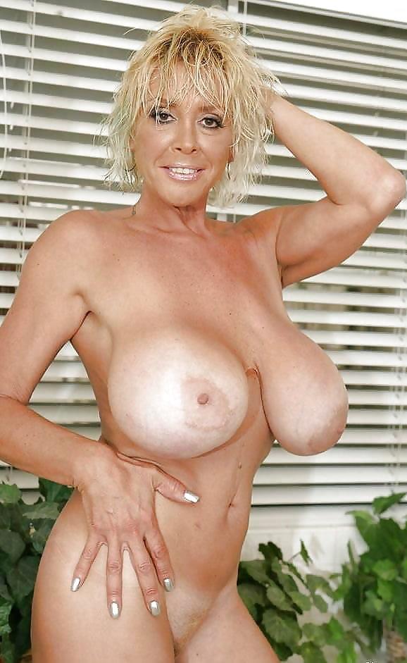 shelley-nude-milf-michelle-thorne-nue