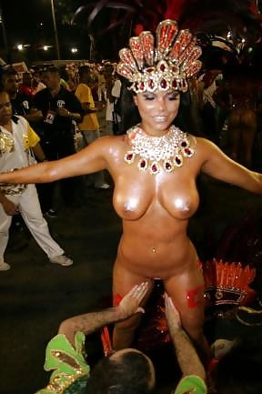 nude-carnival-fucking-lion
