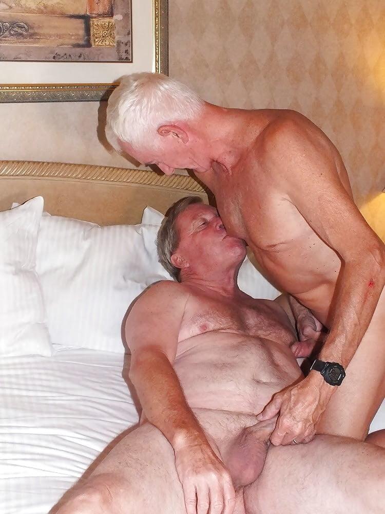 Older bisexual men porn
