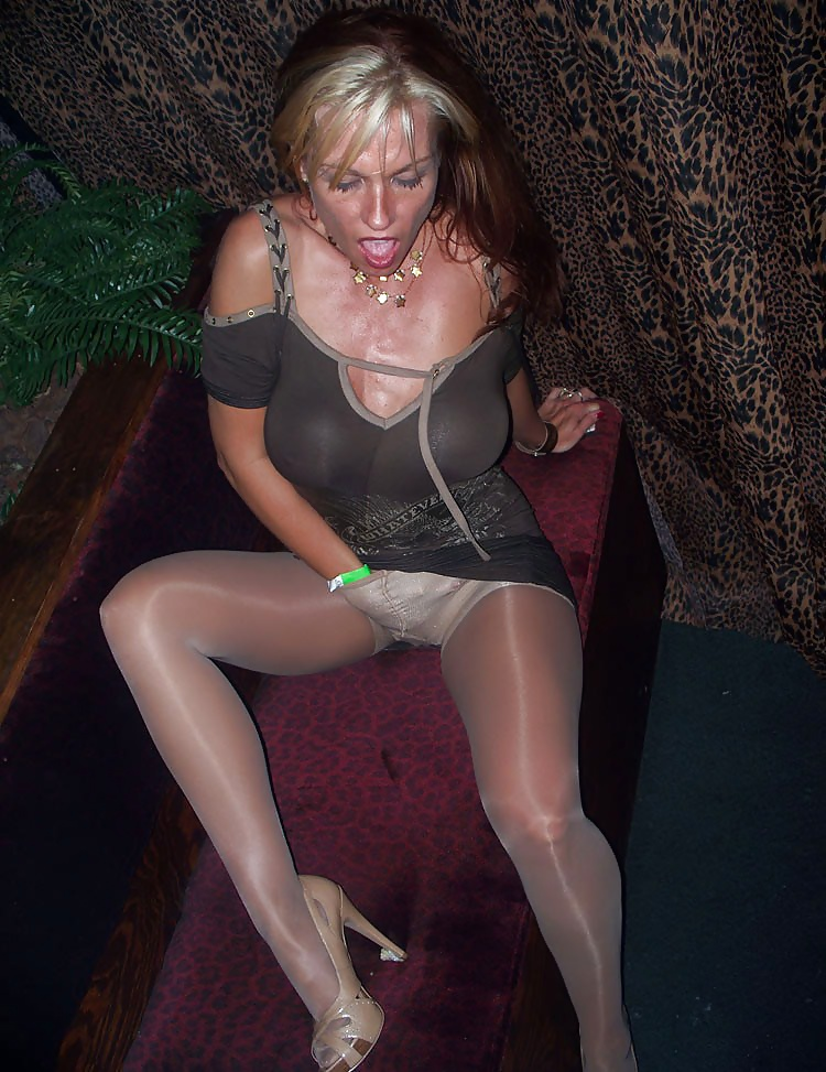 hot-drinking-in-pantyhose-sexy-black-midget