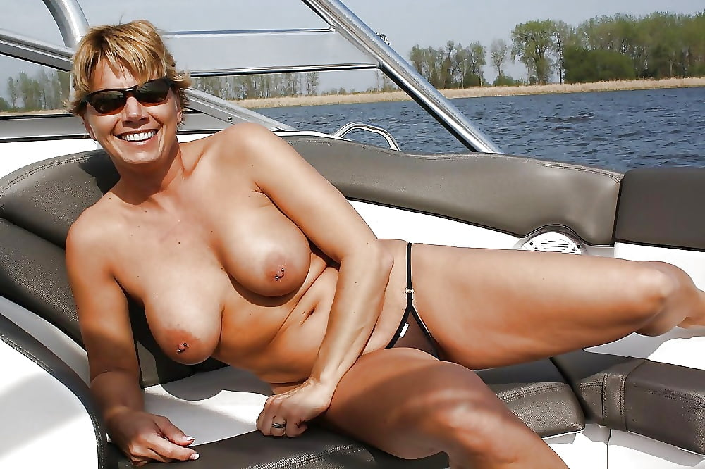 Amateur mature small tits pictures