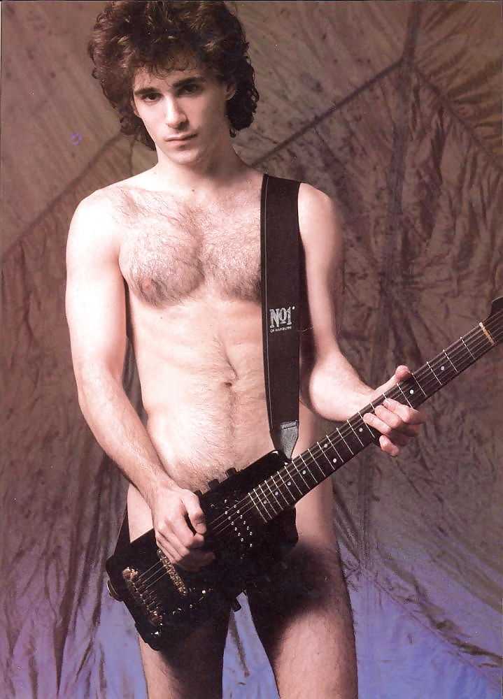 Former duran duran guitarist warren cuccurullo