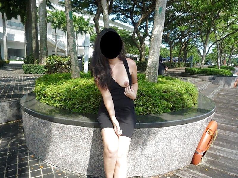 Singapore Girl Flashing No Panties