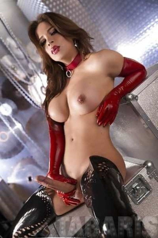 Shemale latex porn pictures