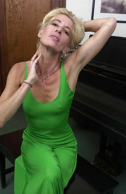 Super Sexy Skinny Amateur Mature Granny Hot - 16 Pics -7434