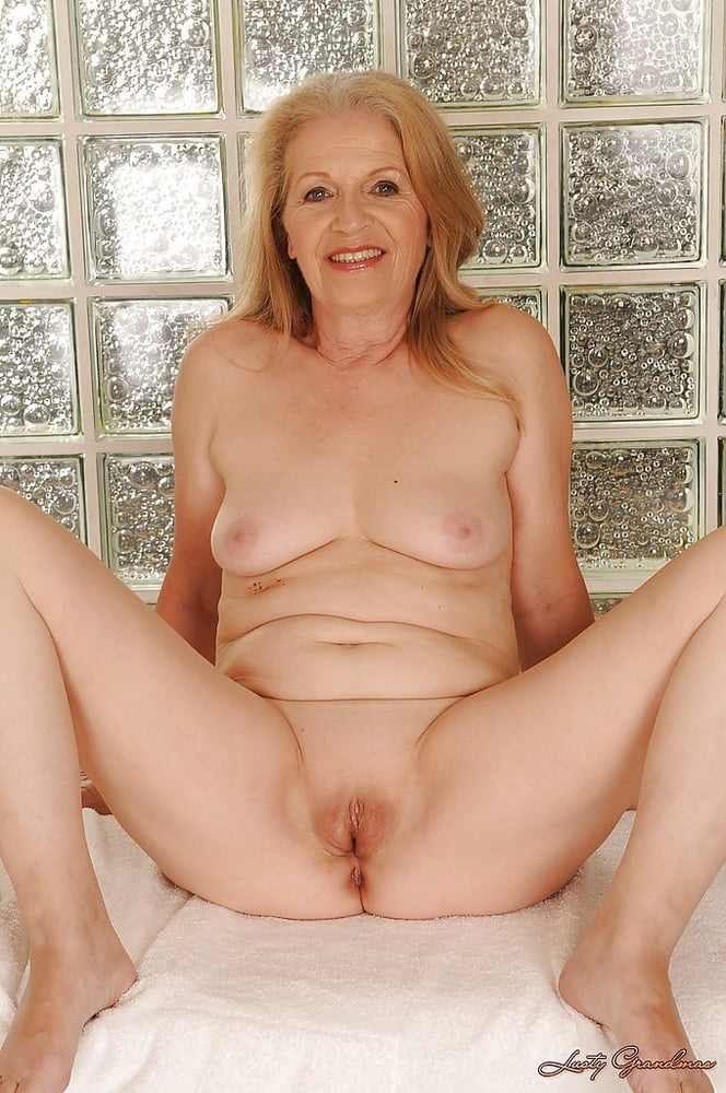 older-nude-pussys-cameltoe-ass