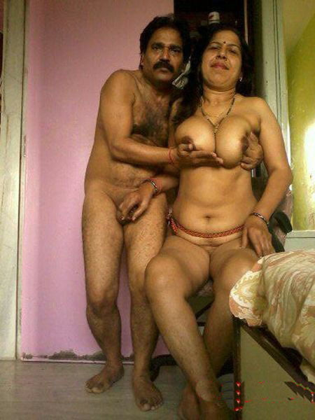 Nude uncle and aunty doing sex