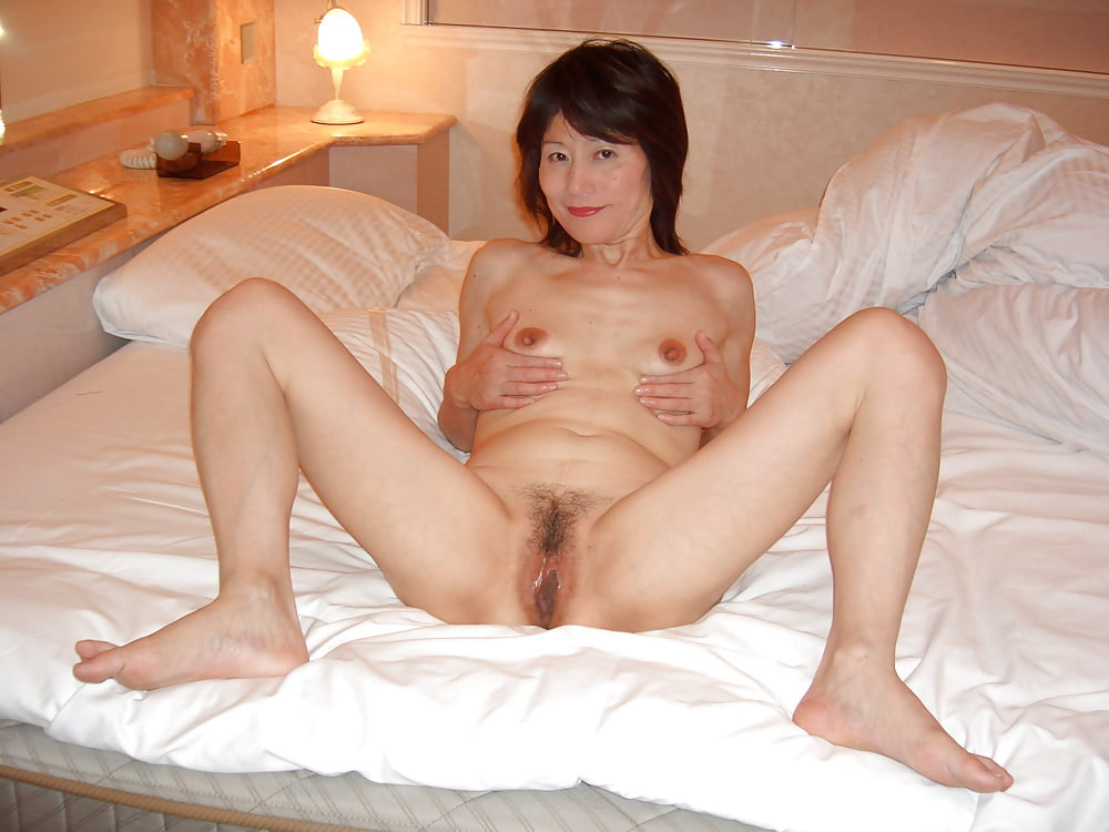 Korean Middle Aged Wife Pussy