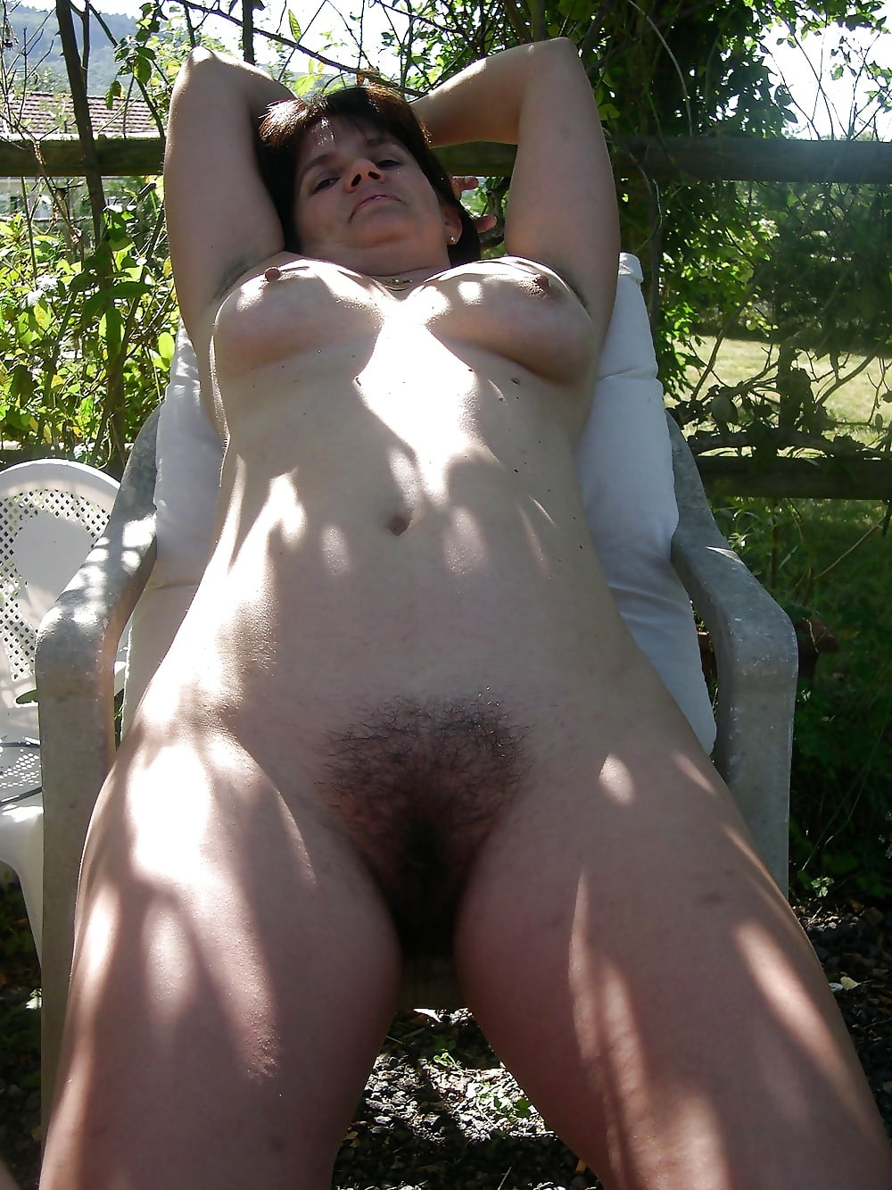 Wife cleaning nude-7503