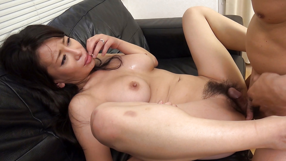 Shaved uncensored japanese mature av licks squirting