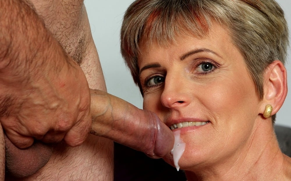 Mature women do it better and this woman gives a perfect blowjob