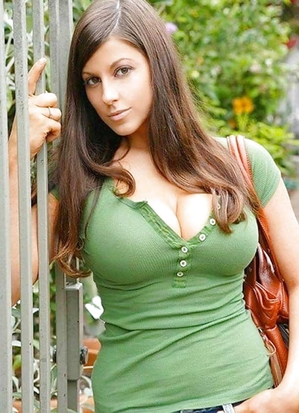 Busty women stories — pic 3