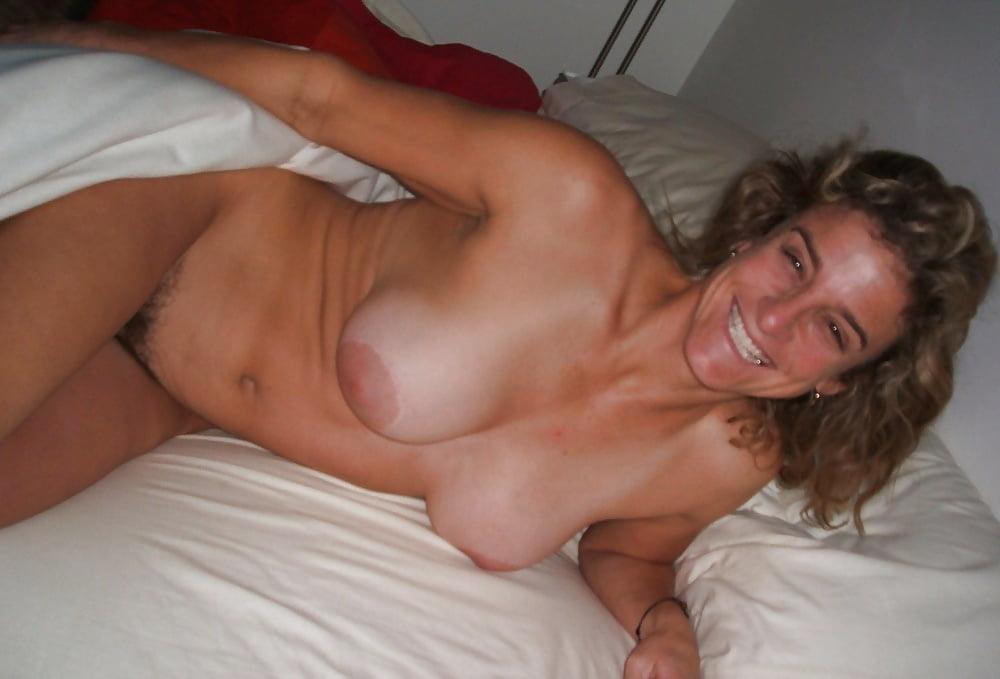 Free mature cuckold slutty wife beauty porn pics