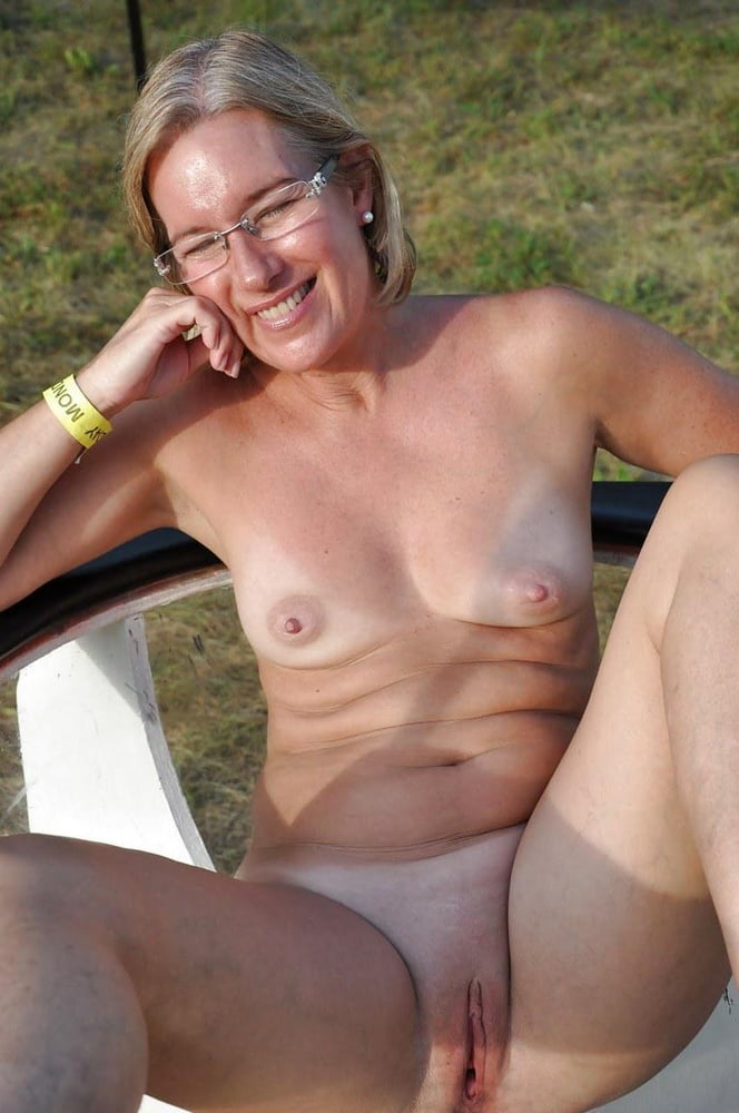 Old Germans with saggy tits enjoy threesome