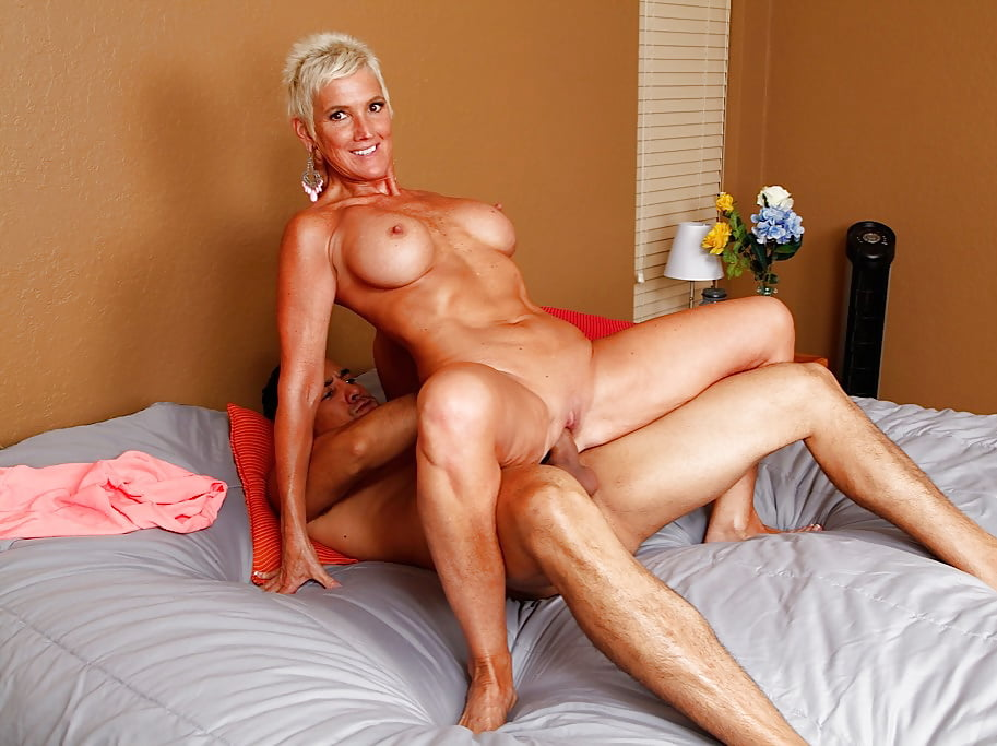 Hard Bodied Mature Cougar Pussy