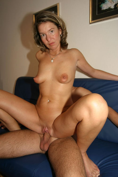 Nude milf daughters