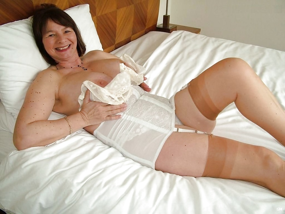 Grannys in girdles mature girdle fitter — img 4