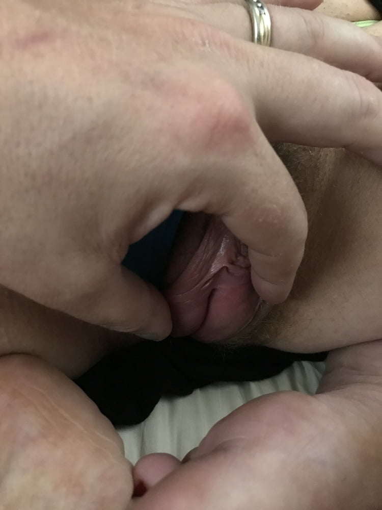 Toying my Hairy Pink Pussy American Milf 07