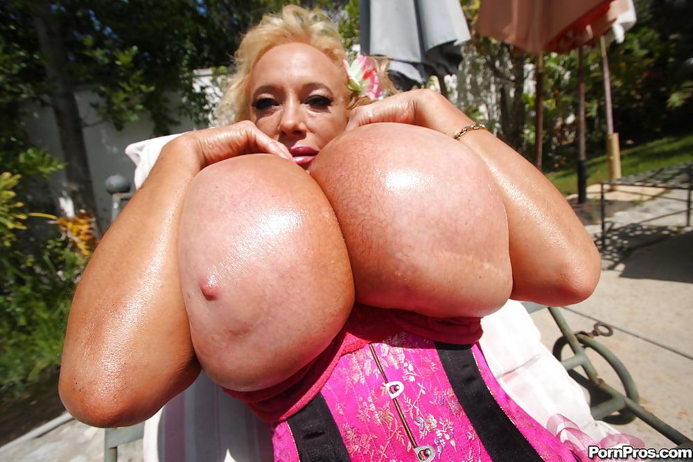 Desi babes big saggy boobs nude indian photos collection