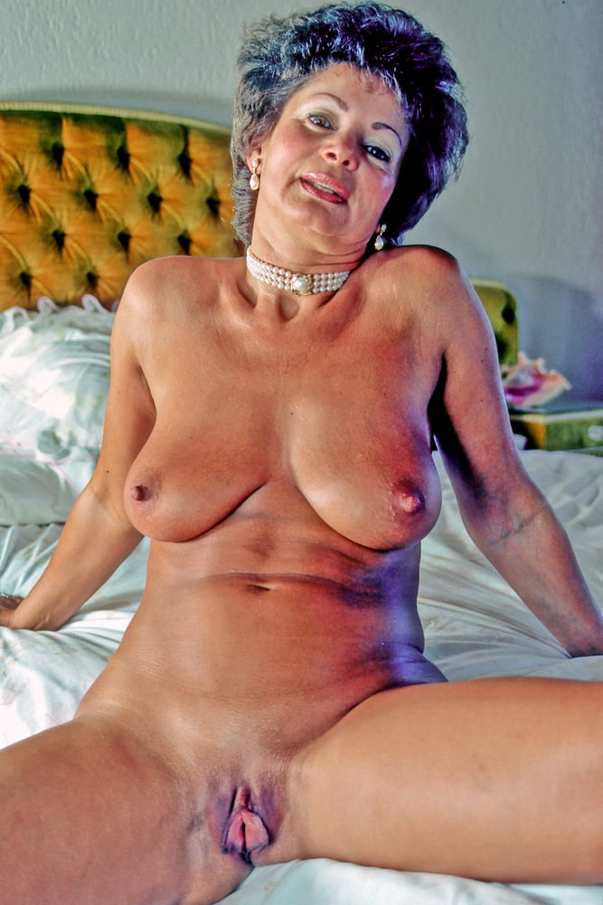 French milf diane first porn photo