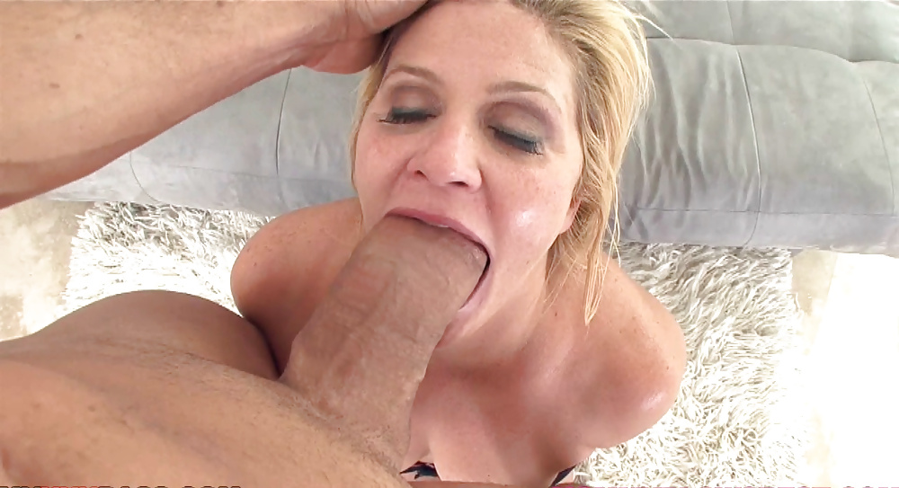 Suck Huge Cock Deepthroat
