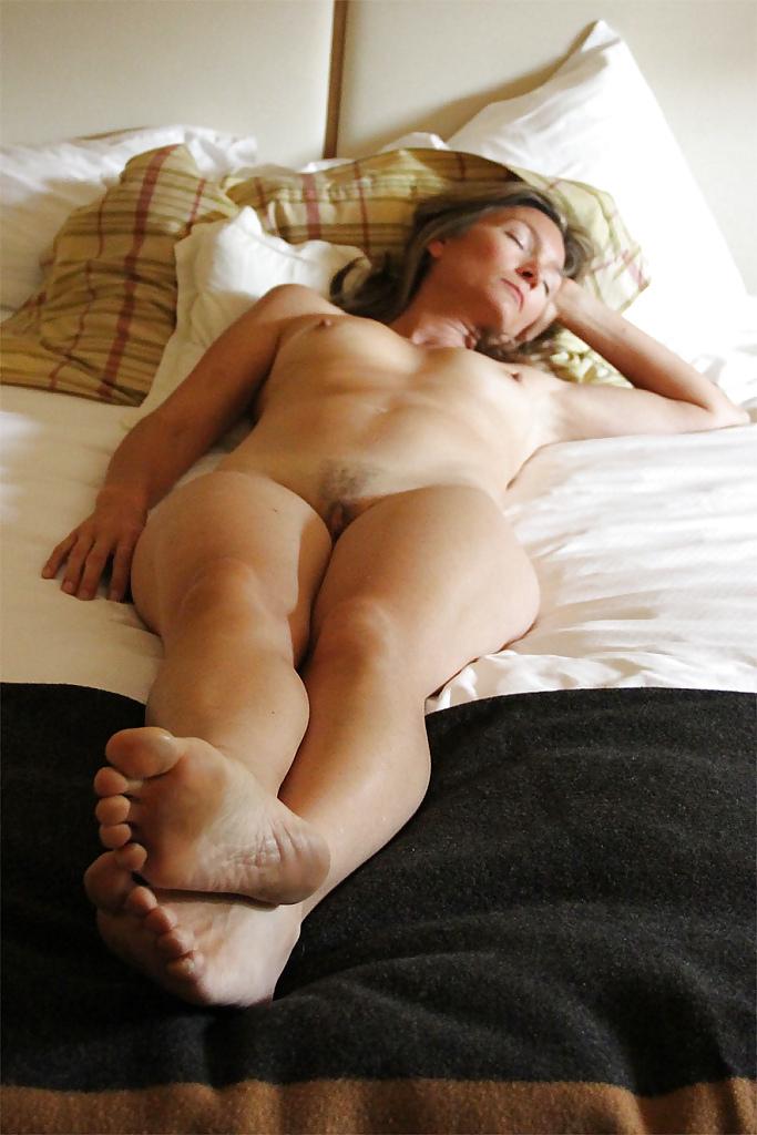 Sexy Girl Sleeping Nude Renee Roulette