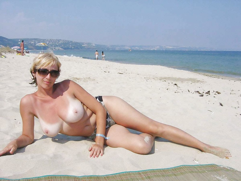 Amature beach babe — photo 13
