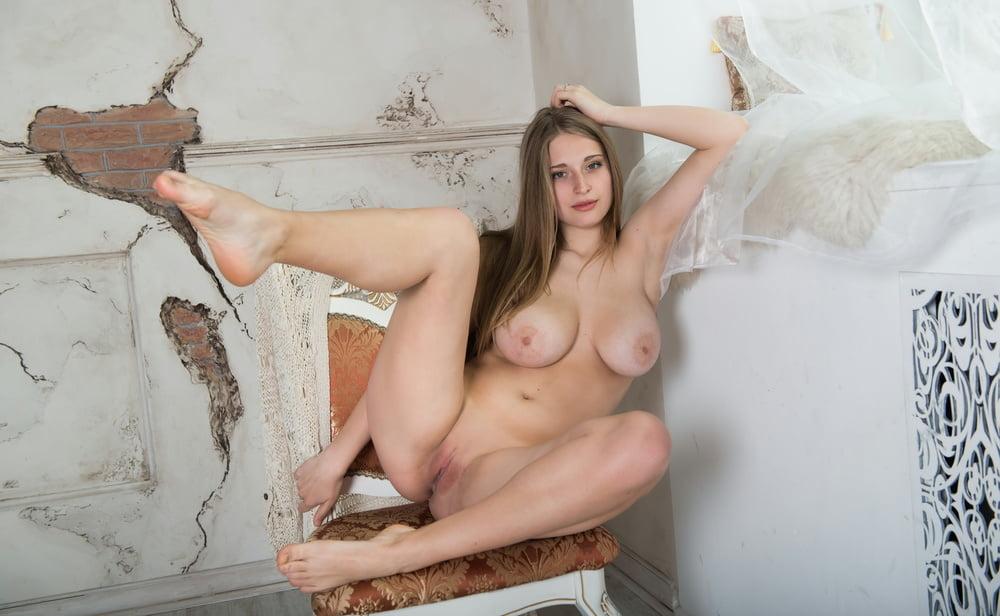 Bella Bell Blonde Beauty Nude Naked Sexy Metarthunter 1