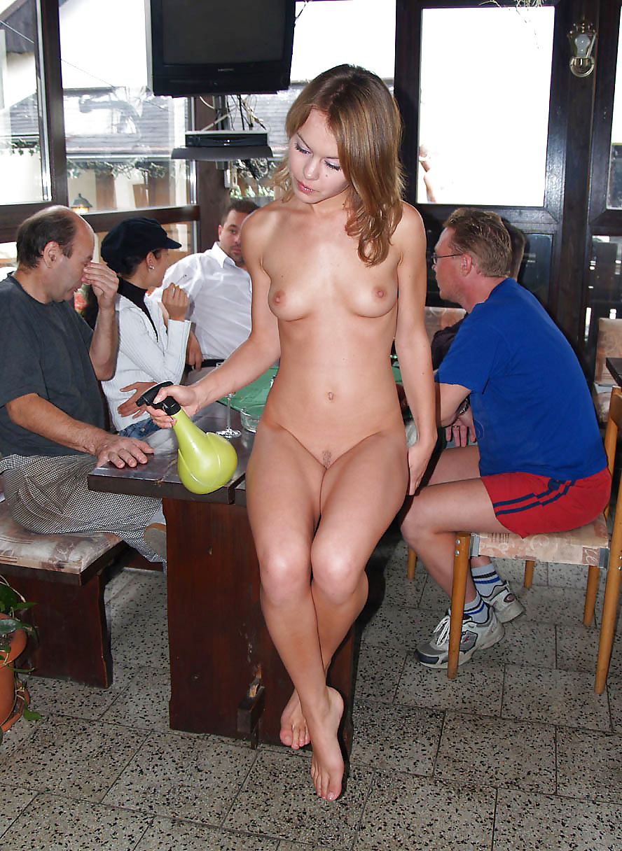 girls-caught-naked-in-public-little