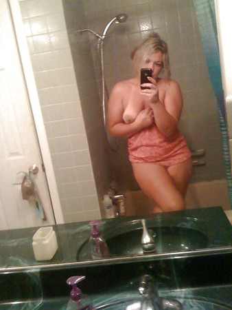 Hot Milf nude bathroom photos