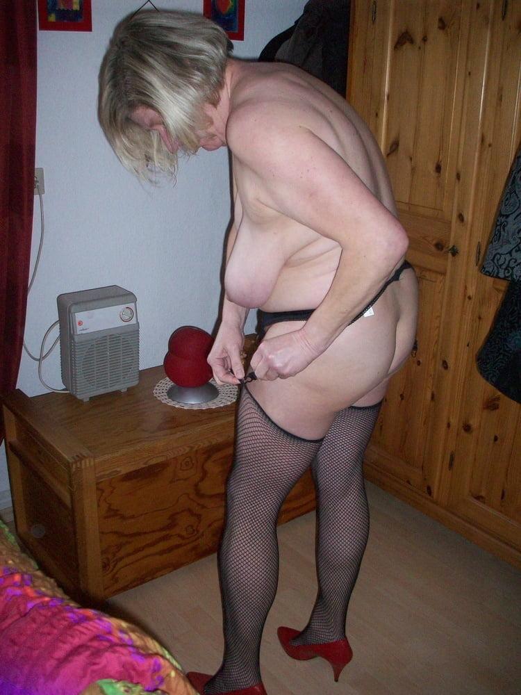 Sexy Riesenschwanz Kostuem Masturbieren