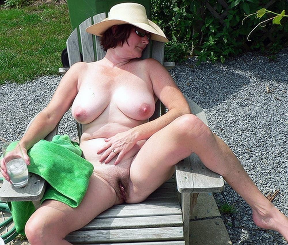 Mature outdoor porn pics, old women sex pics
