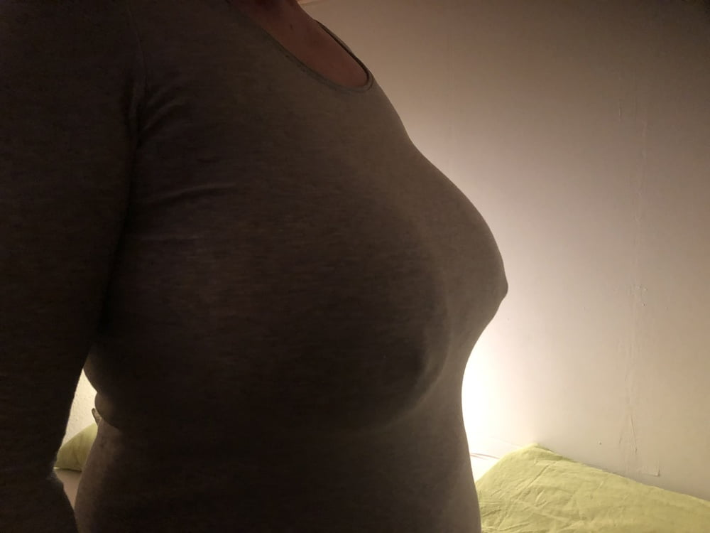 Wifes natural heavy big titts in shirt- 5